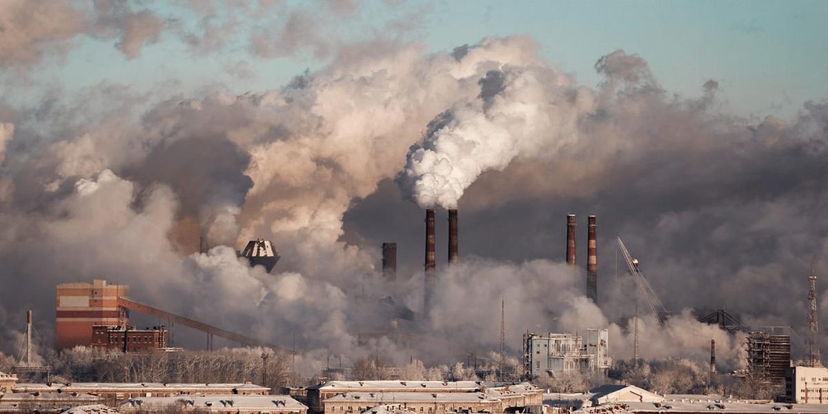वायु प्रदूषण फैलाने वालों को 5 साल की जेल और 1 करोड़ रुपए तक जुर्माना