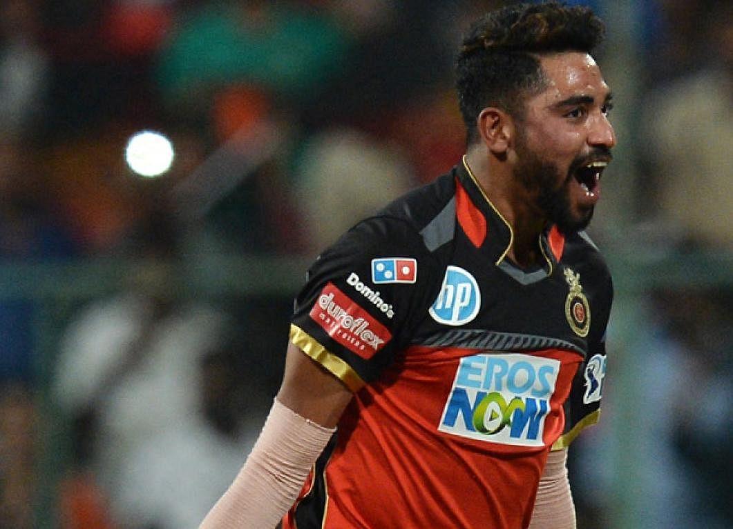 IPL 2020 : सिराज की घातक गेंदबाजी से बेंगलुरु ने कोलकाता को 84 पर रोका