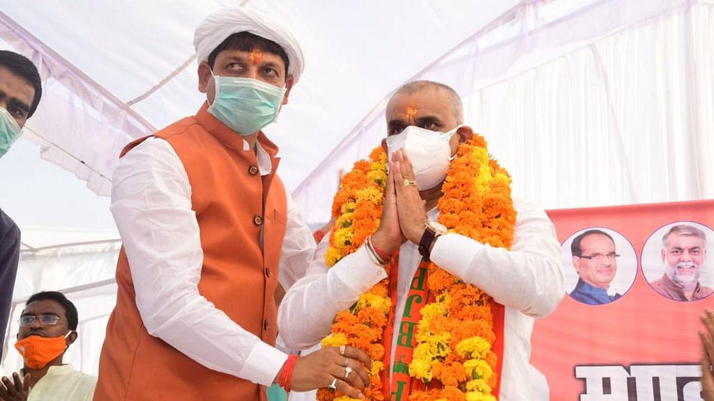 BJP उम्मीदवार प्रद्युम्न सिंह लोधी का धुआंधार प्रचार, कोरोना को बनाया आधार