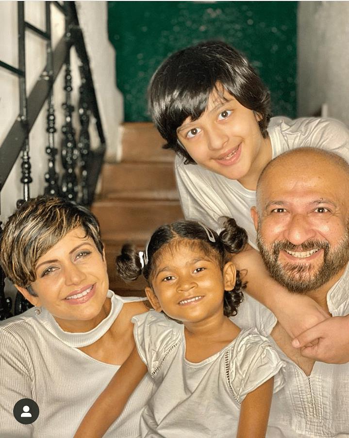 मंदिरा बेदी ने गोद ली 4 साल की बच्ची