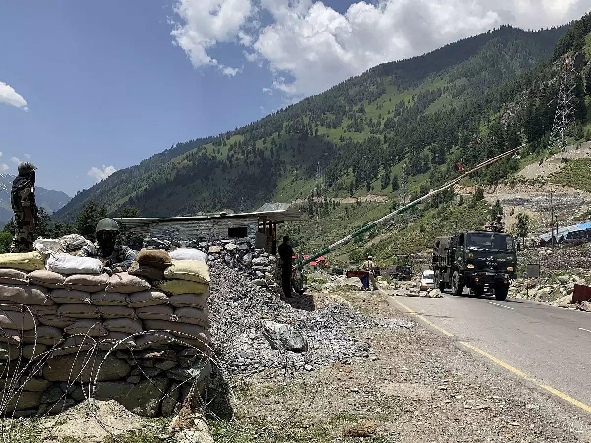 भारत ने पेश की इंसानियत की मिसाल-सीमा में घुसे चीनी सैनिक को वापस लौटाया