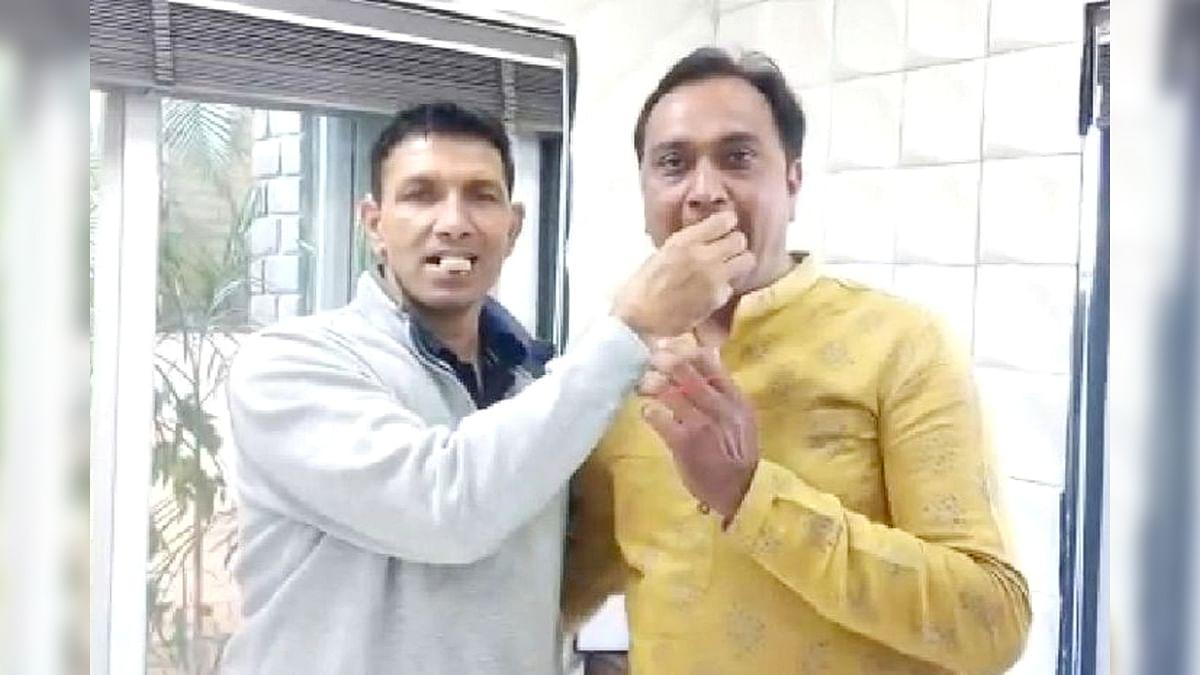 पूर्व मंत्री पटवारी मिलने पहुंचे BJP नेता जीतू जिराती, करवाया मुंह मीठा