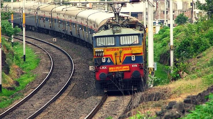 नई दिल्ली से वाराणसी तक के रास्ते को जोड़ने के लिए बनेगा एलिवेटेड ट्रैक