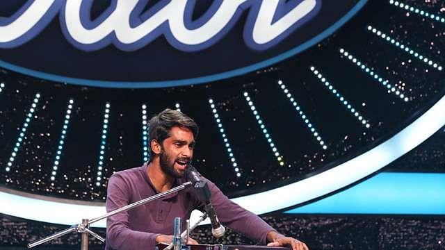 Indian Idol 12 कंटेस्टेंट शहजाद को नेहा कक्कड़ ने दिए 1 लाख, देखें वीडियो