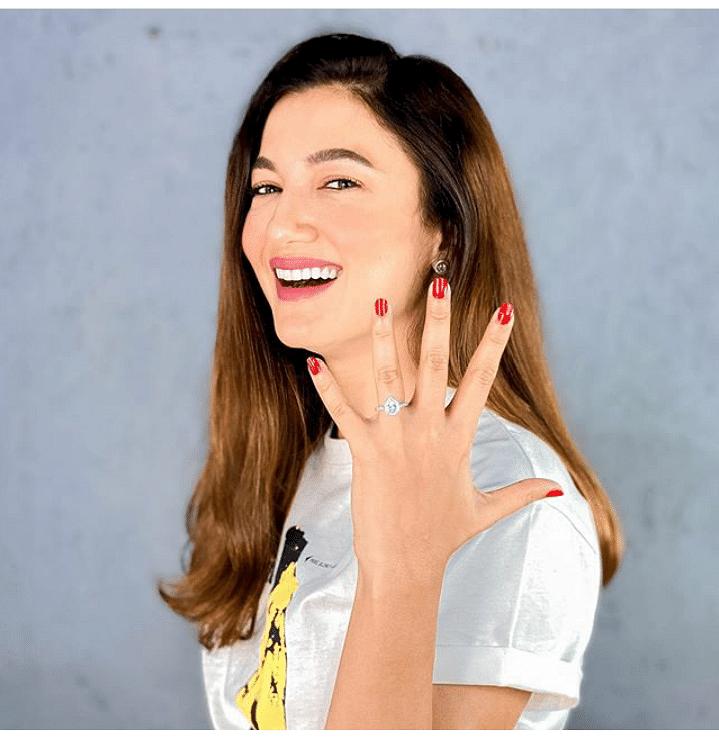 Gauhar Khan flaunting her diamond engagement ring