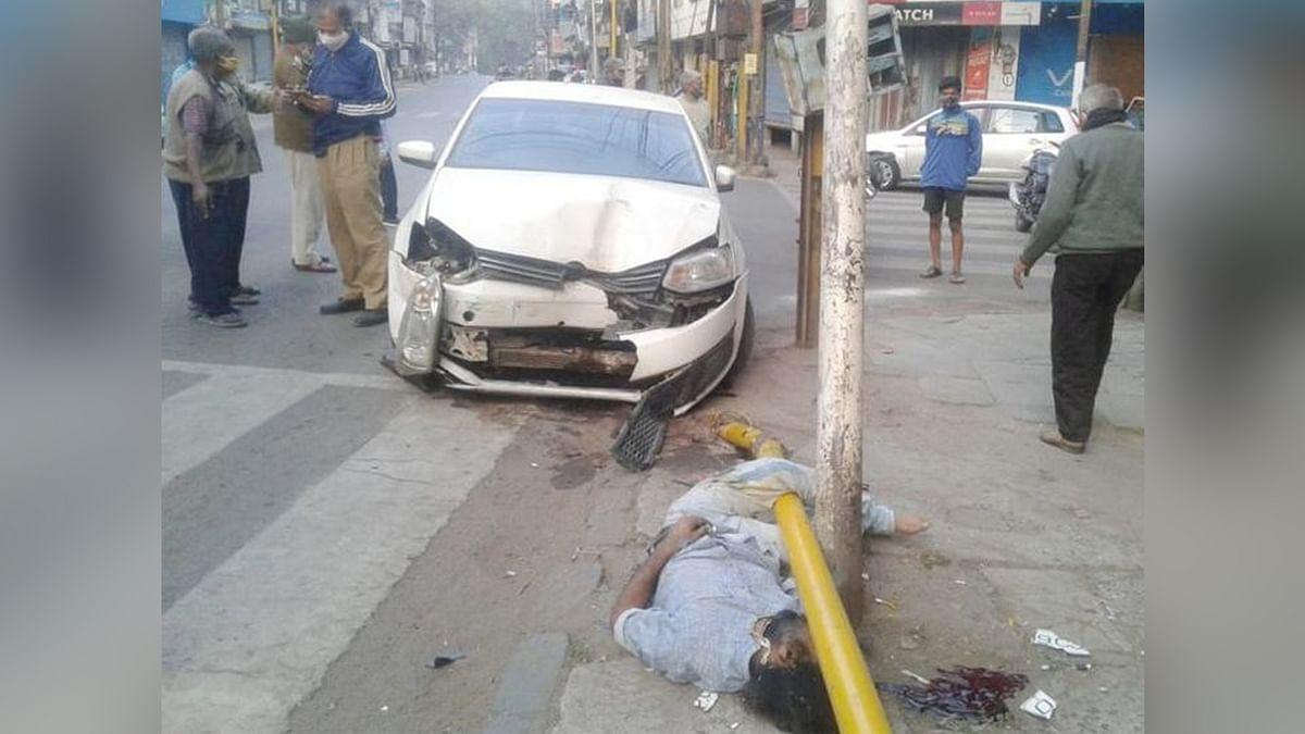 इंदौर में हादसा: सड़क किनारे खड़े ऑटो चालक को कार ने मारी बड़ी टक्कर, मौत