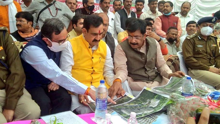 दतिया: प्रदेश के गृह मंत्री मिश्रा ने सरकारी पुलिस आवास का किया शिलान्यास