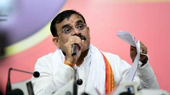MP: कभी EVM पर तो कभी प्रशासन पर आरोप लगाना कांग्रेस की पुरानी आदत है-शर्मा