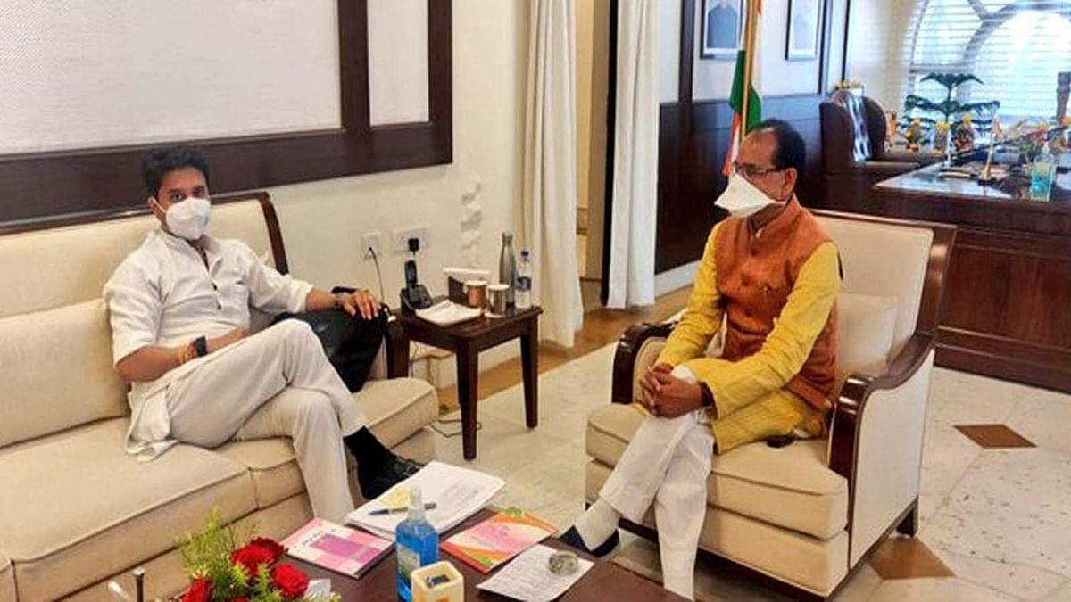सीएम शिवराज और सिंधिया की हुई मुलाकात, मीटिंग के बाद दोनों नेता ओरछा रवाना