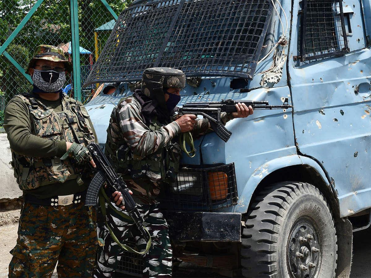 J&K: श्रीनगर एनकाउंटर में हिजबुल मुजाहिदीन का टॉप कमांडर सैफुल्ला ढेर