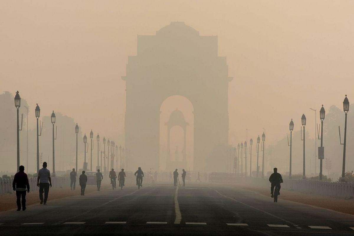 दिल्ली:पटाखे बैन की जमकर उड़ी धज्जियां-दिवाली पर खूब आतिशबाजी से मची तबाही