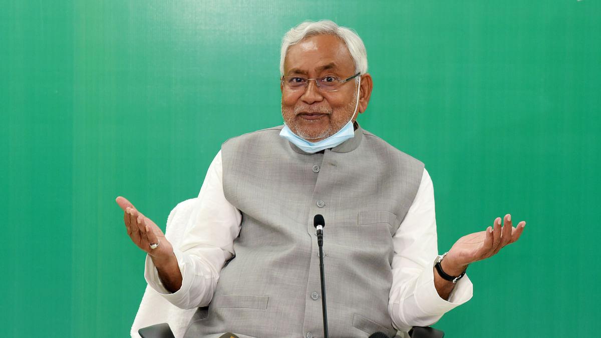 बिहार: आखिरी चुनाव वाले बयान पर चालाकी से पलटे नीतीश कुमार, कही ये बात...