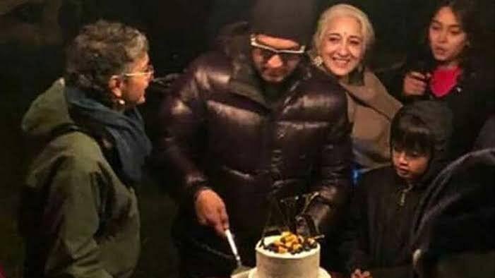 आमिर खान ने पत्नी किरण संग काटा एनिवर्सरी का केक, सामने आया वीडियो