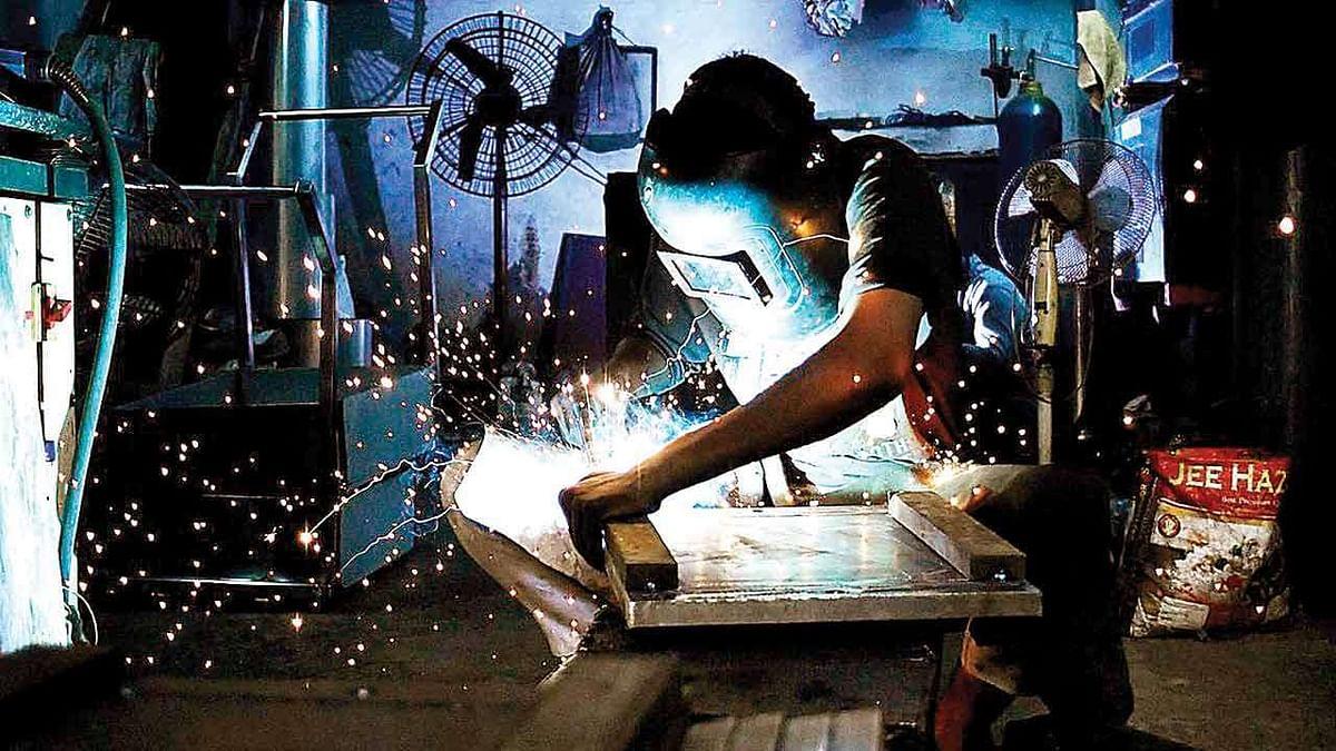 औद्योगिक उत्पादन सूचकांक के अप्रैल के ताजा आंकड़ों ने दी सरकार को बड़ी राहत