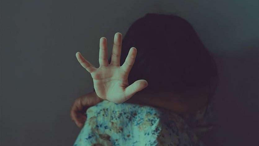 मौलवी ने दुष्कर्म कर बालिका को कुएं में फेंका