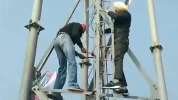 किसान आंदोलन के बीच Jio के 2,000 टावर क्षतिग्रस्त, करोड़ों यूजर्स प्रभावित
