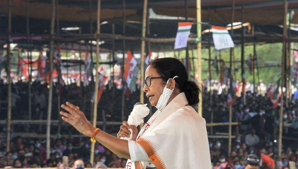 BJP को कोई काम नहीं,जब देखो चड्ढा-नड्डा-फड्डा-भड्डा बंगाल में होते हैं:ममता