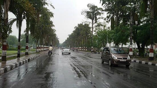 MP मौसम में फिर बदलाव, इन जिलों में तेज हवा के साथ बारिश की संभावना