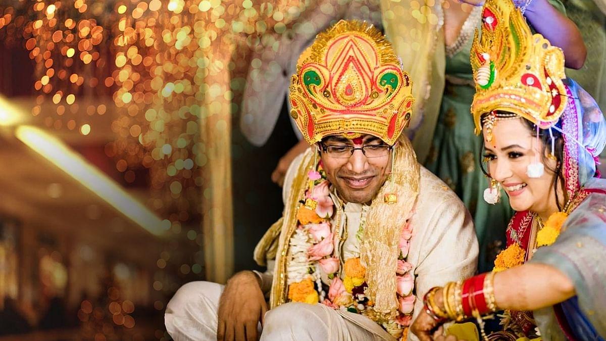 एक्ट्रेस सुलग्ना पाणिग्रही ने कॉमेडियन बिस्वा से शादी रचाई, देखें तस्वीरें