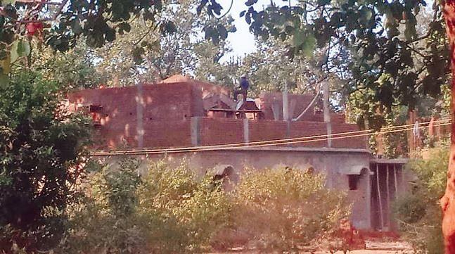 ताला : बांधवगढ़ ईकोसेंसिटिव जोन के बीचों-बीच बन रहा है अवैध रिसोर्ट