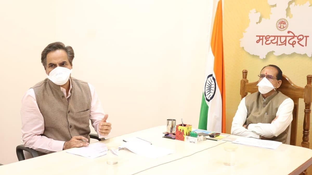 CM चौहान ने वरिष्ठ अधिकारियों के साथ की बैठक, समाधान योजना को लेकर की बात