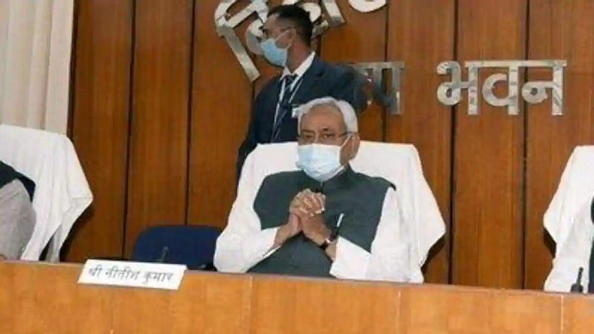 बिहार कैबिनेट की फ्री कोरोना वैक्सीन-20 लाख रोजगार के चुनावी वादे को मंजूरी