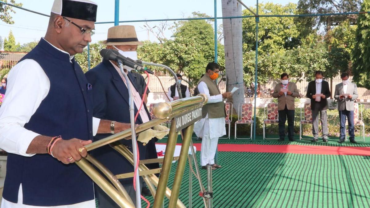 मंत्री सारंग ने मंत्रालय में मनाया सुशासन दिवस, कर्मचारियों को दिलाई शपथ