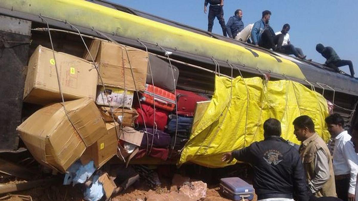 आज फिर एक बड़ी दुर्घटना! यात्रियों से भरी बस अनियंत्रित होकर पलटी, कई घायल