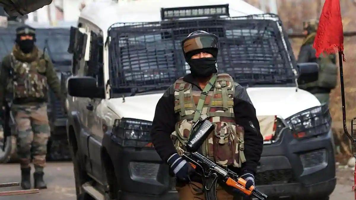 जम्मू-कश्मीर के अवंतीपोरा में जैश के आतंकी नेटवर्क का भंडाफोड़