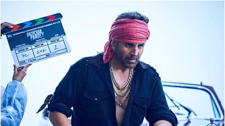 'बच्चन पांडे' से अक्षय कुमार का लुक आया सामने, गैंगेस्टर लुक में आए नजर