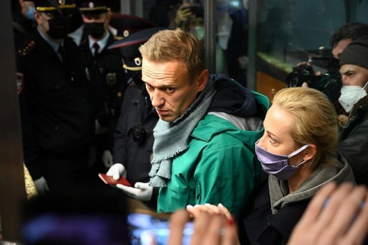 रूस में विपक्ष के नेता नावाल्नी की पत्नी गिरफ्तार