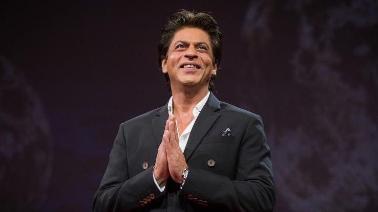 शाहरुख खान ने फैंस को दी नए साल की बधाई, बताया बड़े पर्दे पर कब होगी वापसी