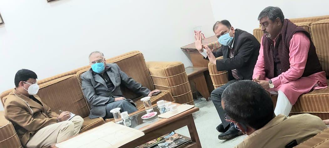 ग्वालियर : सांसद ने की एयरपोर्ट व जिला प्रशासन अधिकारियों के साथ बैठक