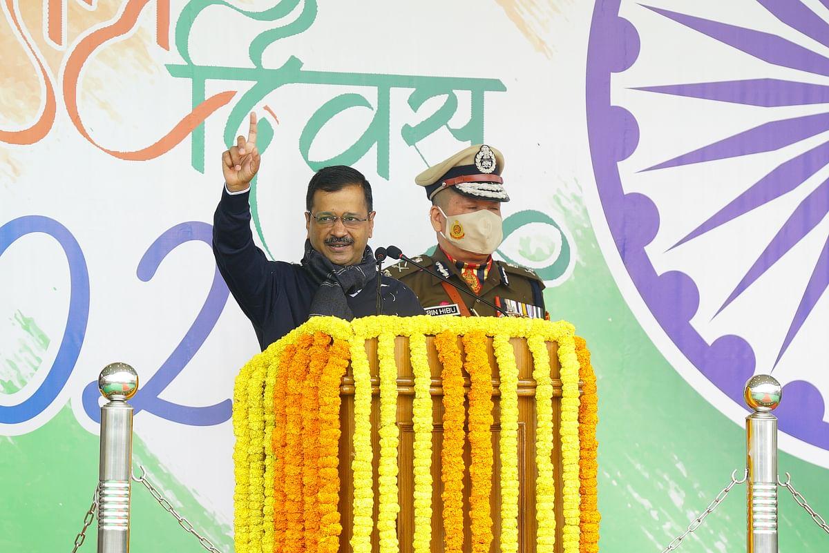 दिल्ली सचिवालय में CM केजरीवाल ने ध्वजारोहण कर दिया ये खास संदेश