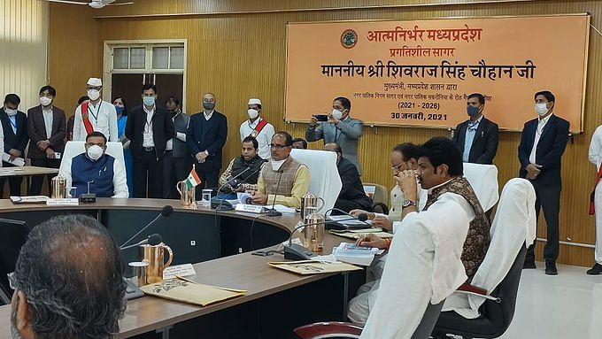 सागर में मुख्यमंत्री शिवराज ने 535 करोड़ के 13 विकास कार्यों की घोषणा की