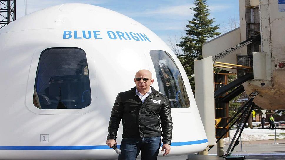 अंतरिक्ष को छू कर लौटी जेफ बेजोस और उनकी टीम