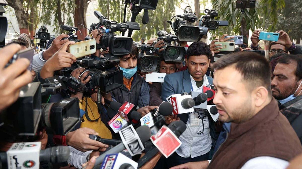 बिहार की बदहाल कानून व्यवस्था पर एक्शन में तेजस्वी-राज्यपाल को सौंपा ज्ञापन
