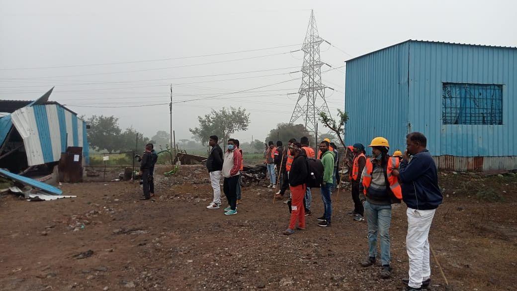 नागदा: कुख्यात अपराधी मीणा के आशियाने पर चला प्रशासन बुलडोजर, मचा हड़कंप