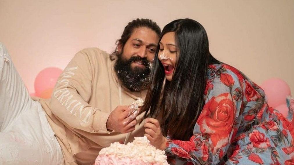 यश के बर्थडे पर पत्नी राधिका ने इस अंदाज में दी बधाई, शेयर की फोटो