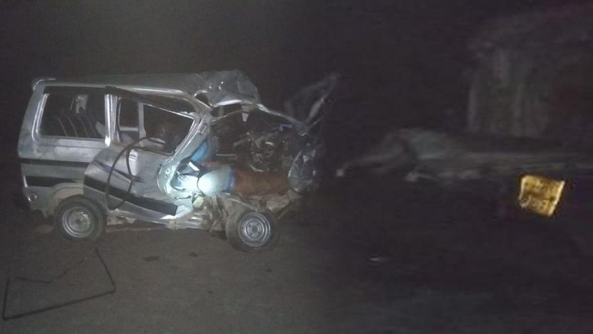 छतरपुर: कार और ट्रक की जोरदार टक्कर, तेज रफ्तार ने निगल ली 3 जिंदगियां