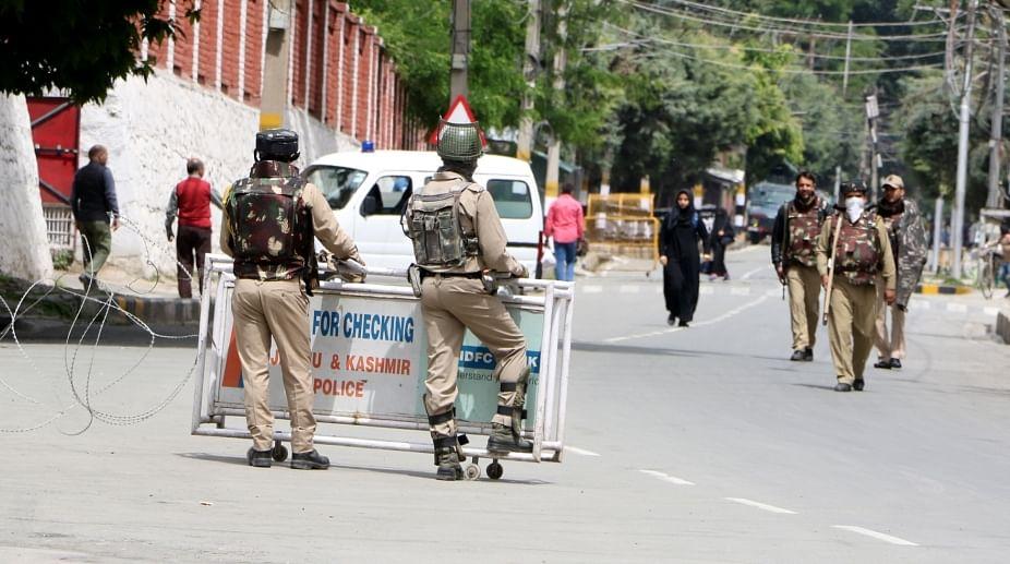 मकबूल भट की बरसी पर कश्मीर में हड़ताल, जनजीवन प्रभावित
