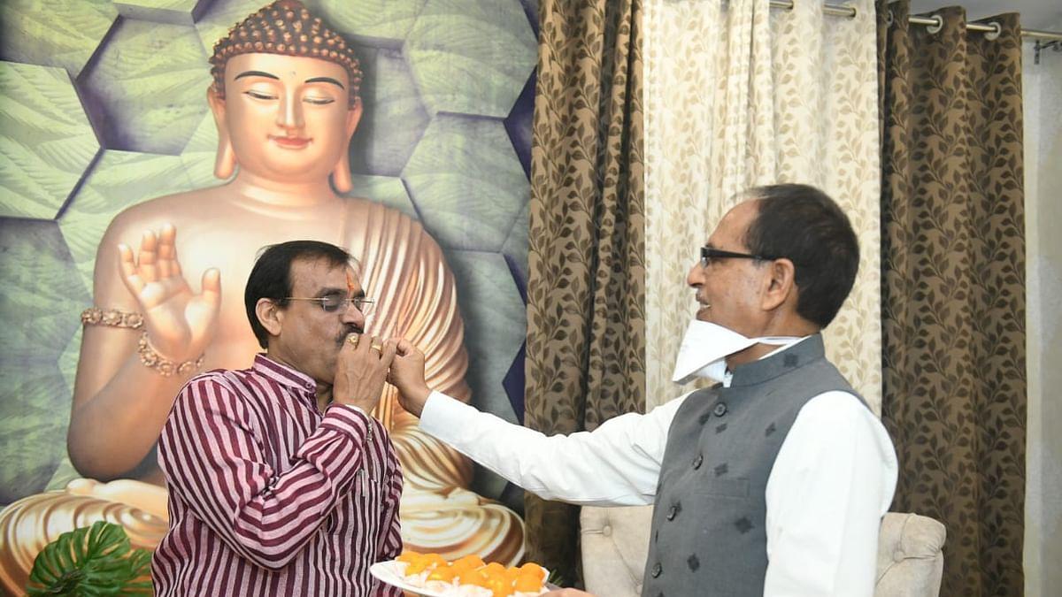 वीडी शर्मा को अपने एक वर्ष का कार्यकाल पूरा करने पर सीएम ने दी हार्दिक बधाई