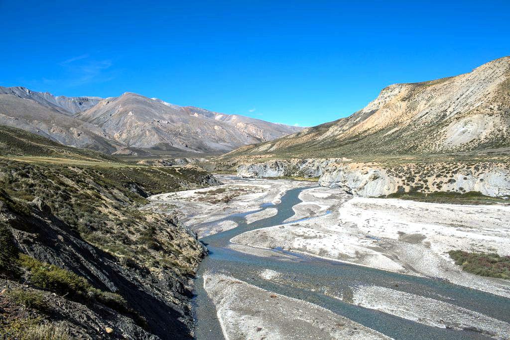 तिब्बत, चीन में मापचा खंबाब (Mapcha Khambab) नदी। नेपाल में यह नदी कर्णाली और भारत में घाघरा के नाम से पहचानी जाती है।