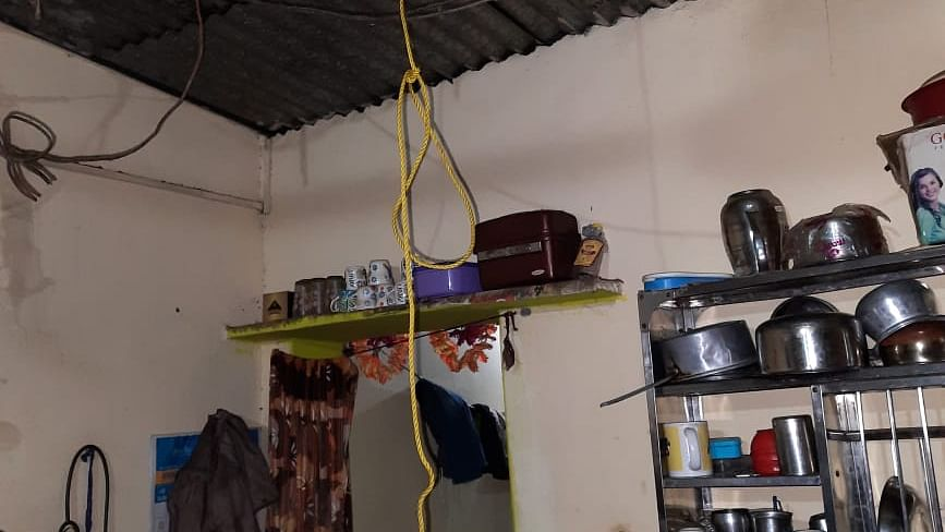 राजधानी में 100 डायल ने दिखाई तत्परता, फांसी लगा रहे युवक को सकुशल बचाया