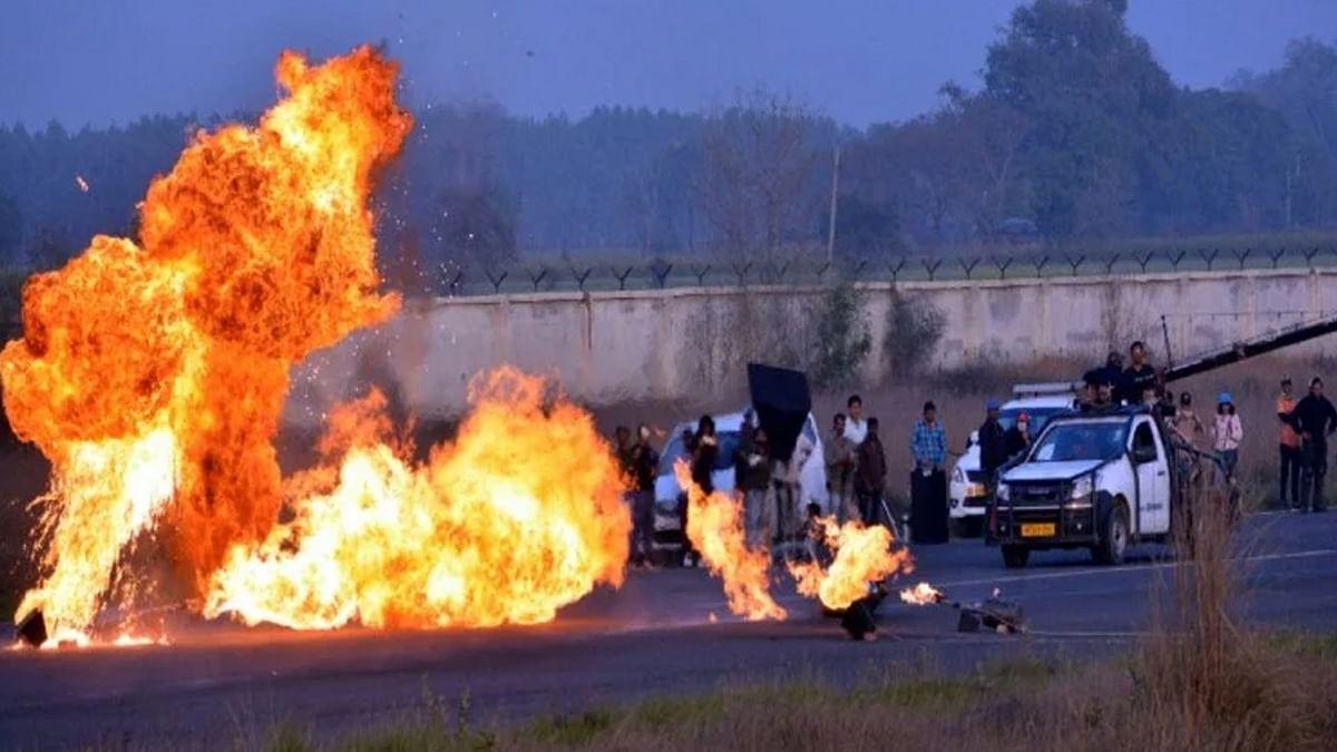 जॉन अब्राहम की फिल्म 'अटैक' की टीम पर हुआ पथराव