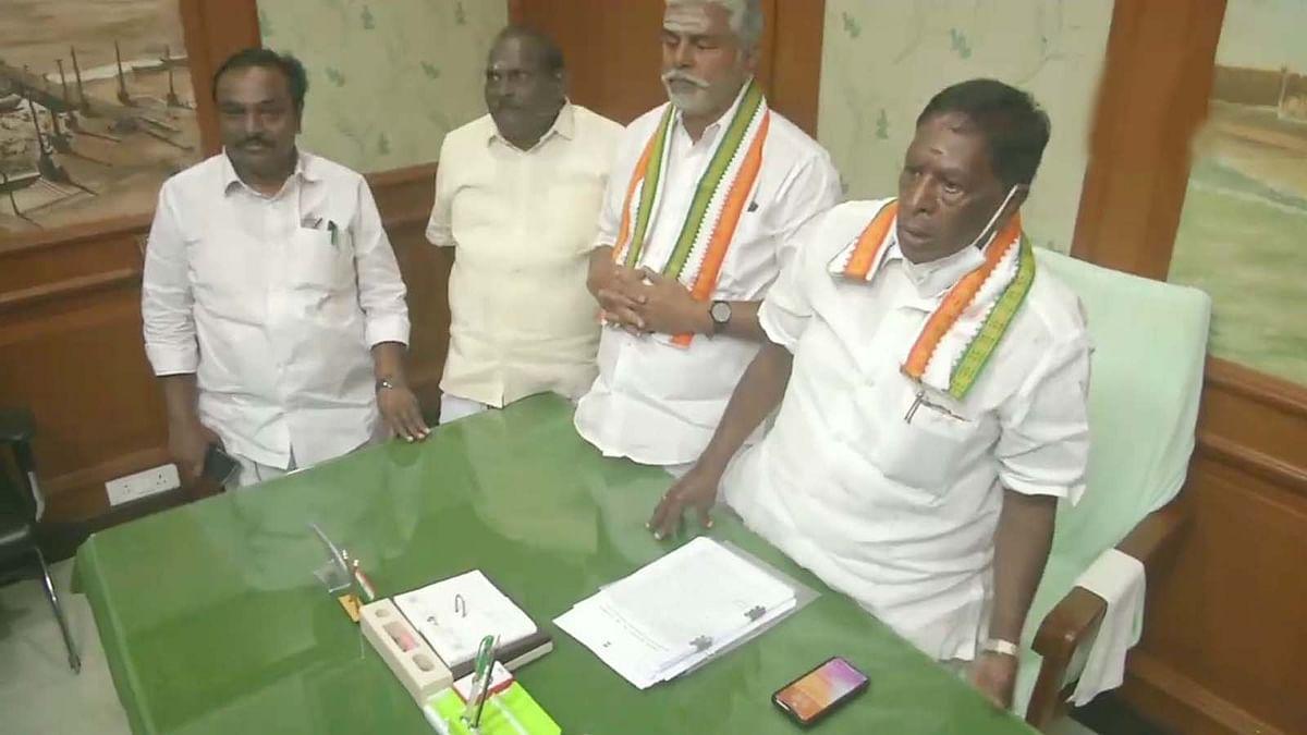 पुडुचेरी में नारायणसामी सरकार की परीक्षा की घड़ी- आज होगा फ्लोर टेस्ट