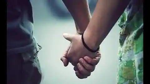 प्रेम कहानी का ऐसा भी अंत: प्रेमी छत से कूदा, प्रेमिका हाथ छुड़ाकर पीछे हटी