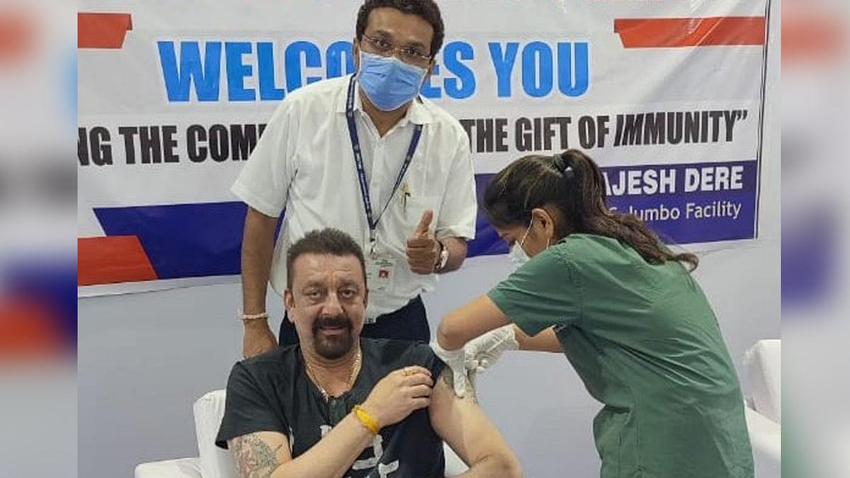 संजय दत्त ने लगवाई कोविड-19 की पहली वैक्सीन, डॉक्टर्स का किया शुक्रिया