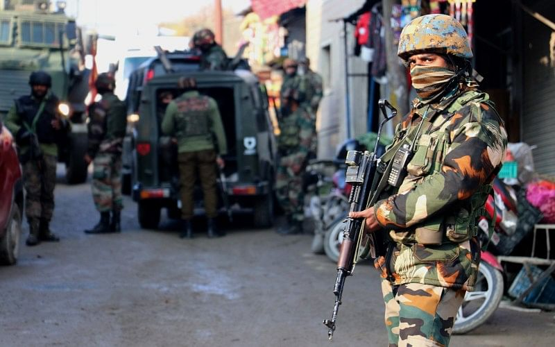 श्रीनगर हमले में आतंकवादियों के दो सहायक गिरफ्तार