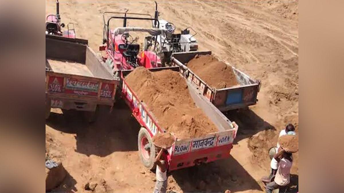 बड़ी खबर: मुरैना में अवैध रेत उत्खनन करते गिरफ्तार हुआ पूर्व MLA का बेटा